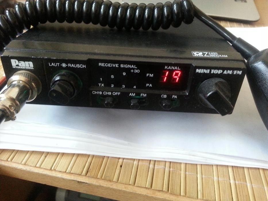 CB Radio firmy Stabo MINI TOP AM/FM, małe zgrabne
