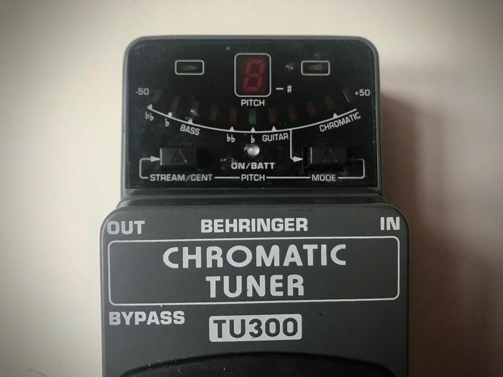 BEHRINGER TU300 CHROMATIC TUNER DO GITARY BASU