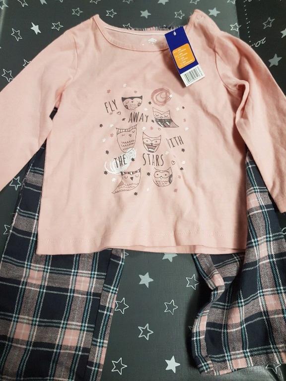 Piżama różowa góra, spodnie w granatową kratkę