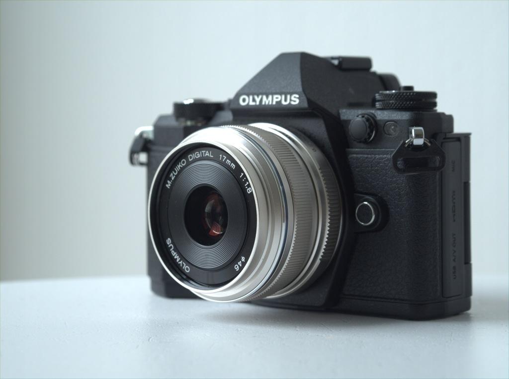 Olympus E-M5 mark II - STAN PERFEKCYJNY + gratisy!