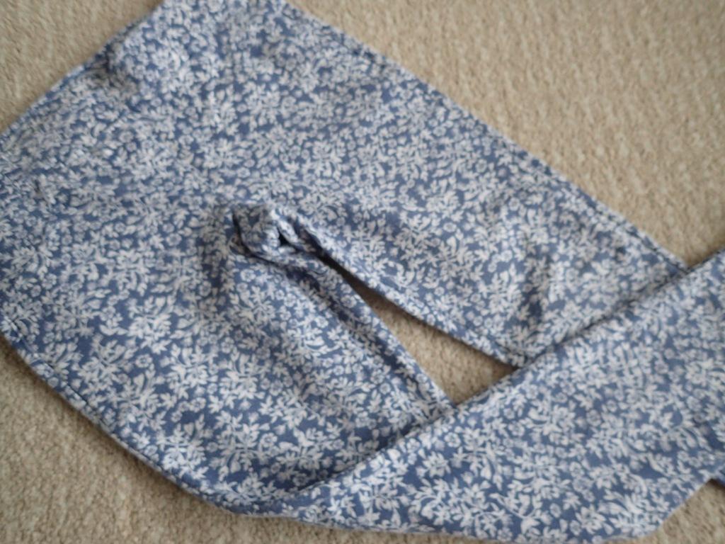 Benetton spodnie legginsy dla dziewczynki L