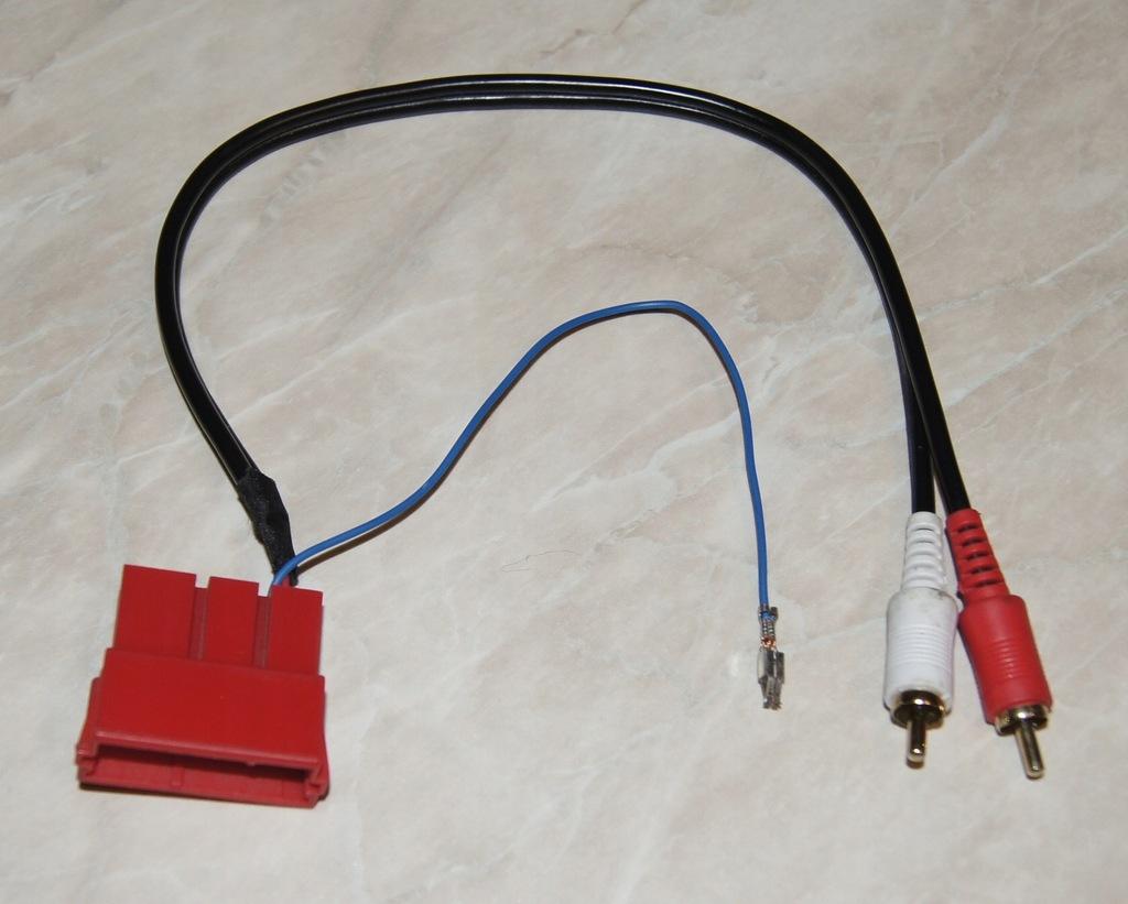 Adapter Audi VW Skoda Mini ISO 2x RCA
