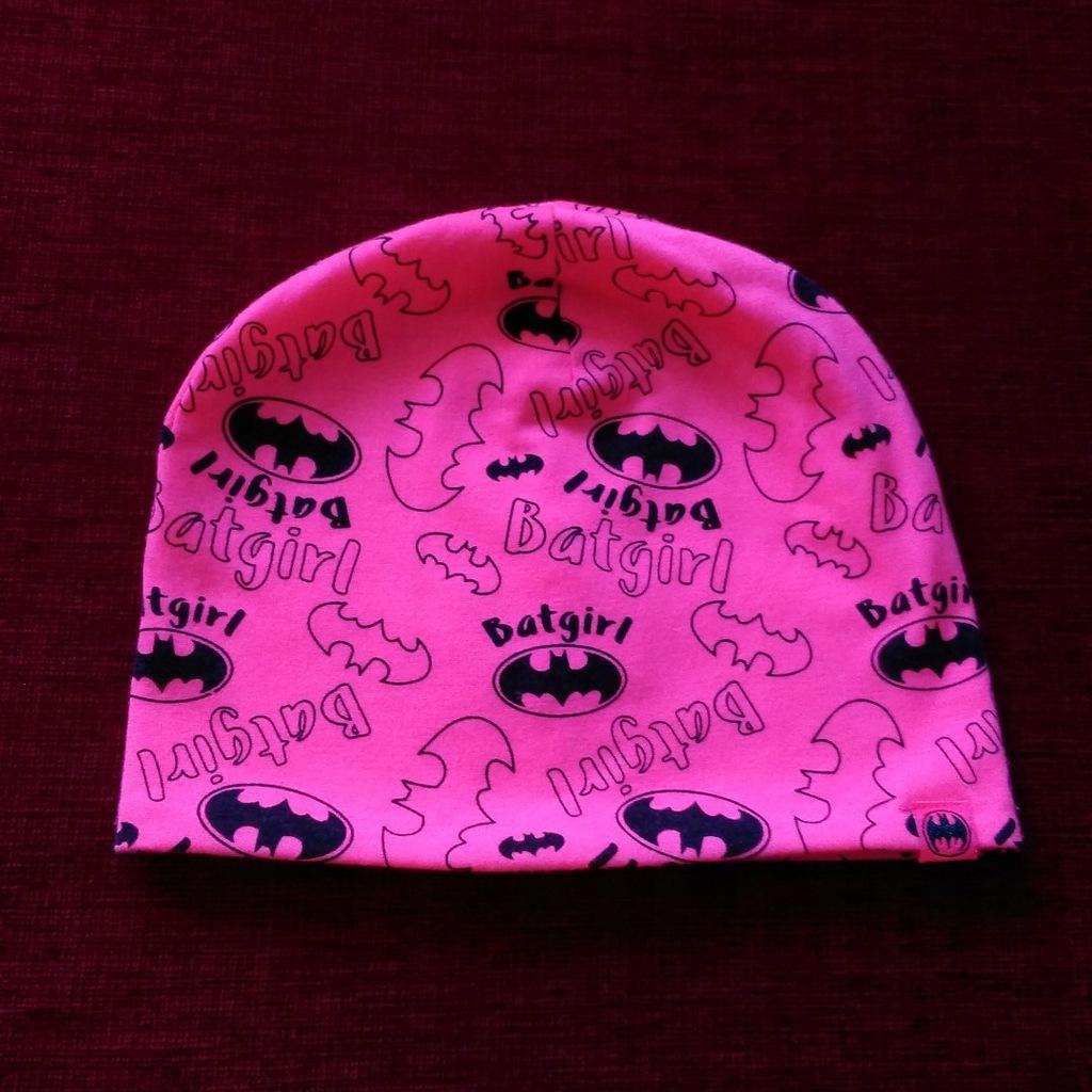 Cool Club Batgirl czapka różowa Batman 54