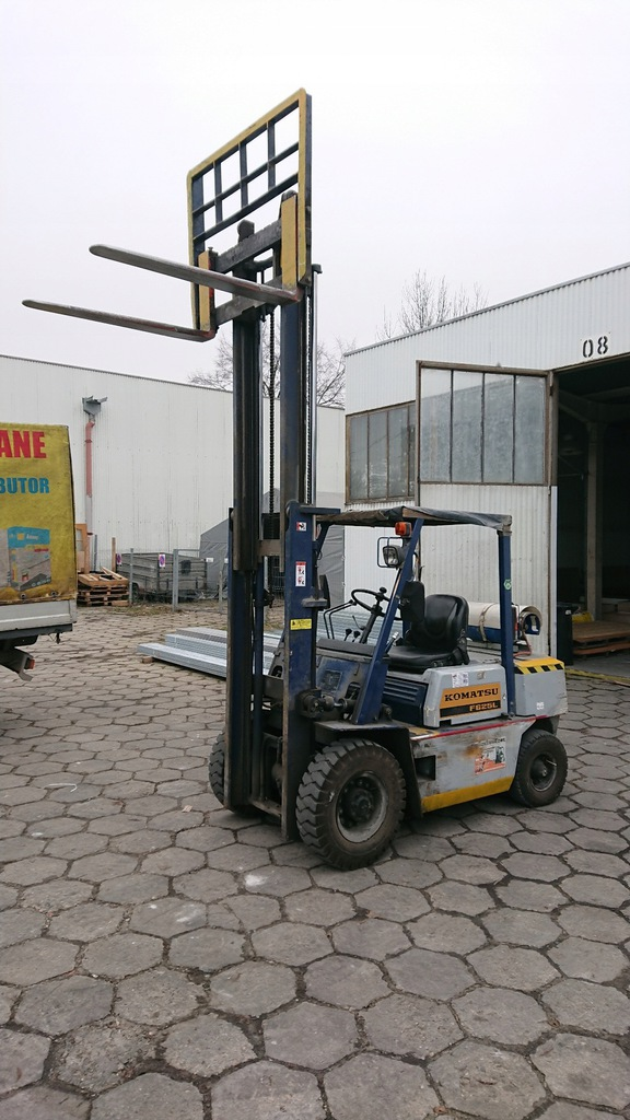 Wózek widłowy Komatsu 2500kg 3,3m Duplex LPG, UDT