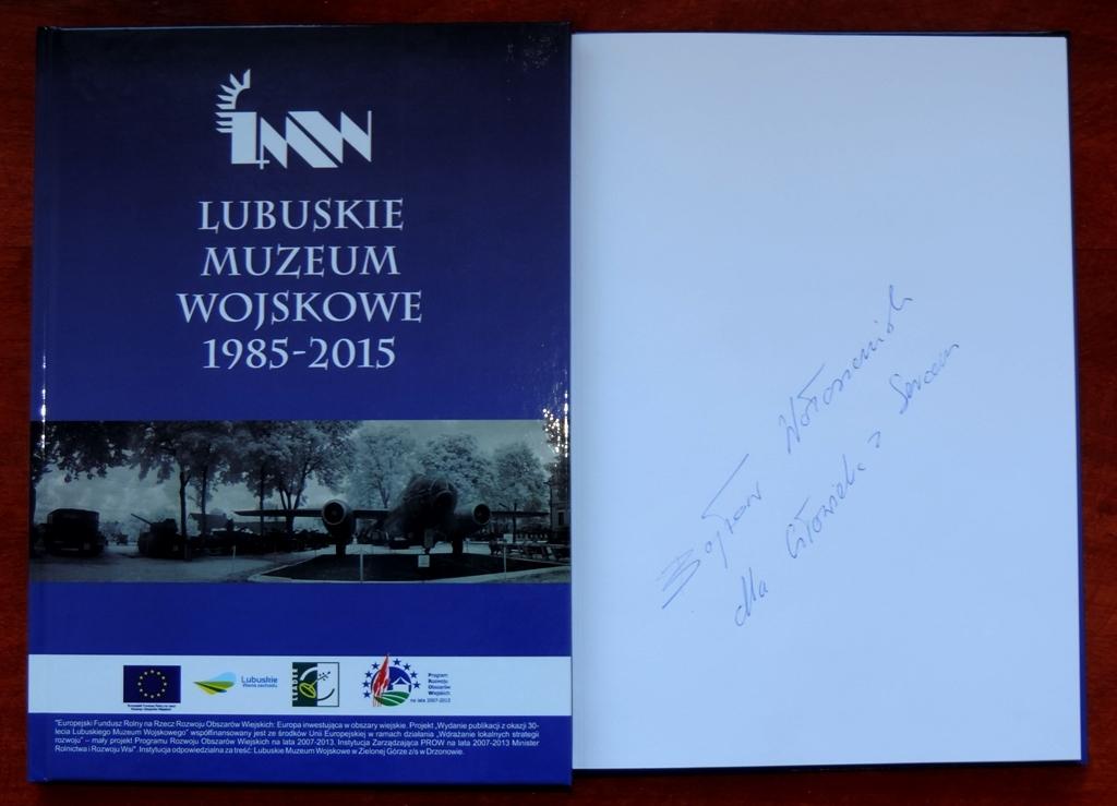 Książka z autografem Bogusława Wołoszańskiego