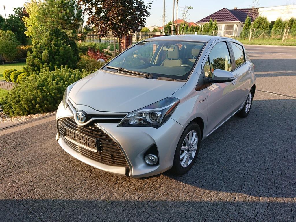 Toyota Yaris Hybrid 1 5h Premium Srebrny Toy Cars 8484349073 Oficjalne Archiwum Allegro