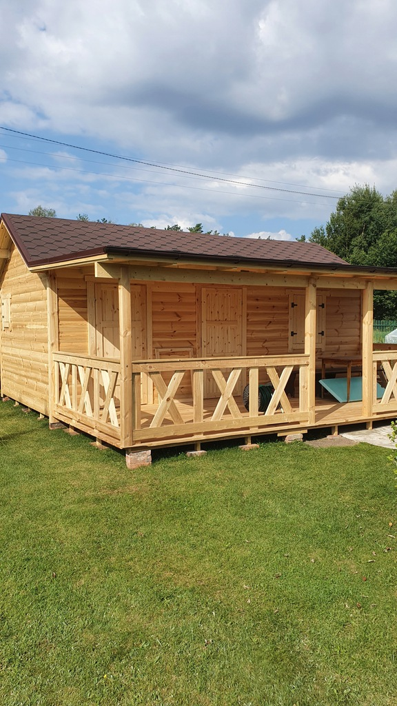domek drewniany i letniskowy
