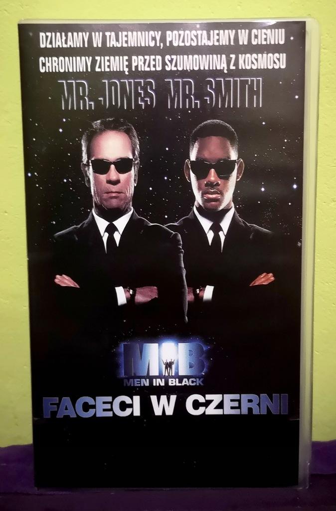 FACECI W CZERNI - MEN IN BLACK (Fema)