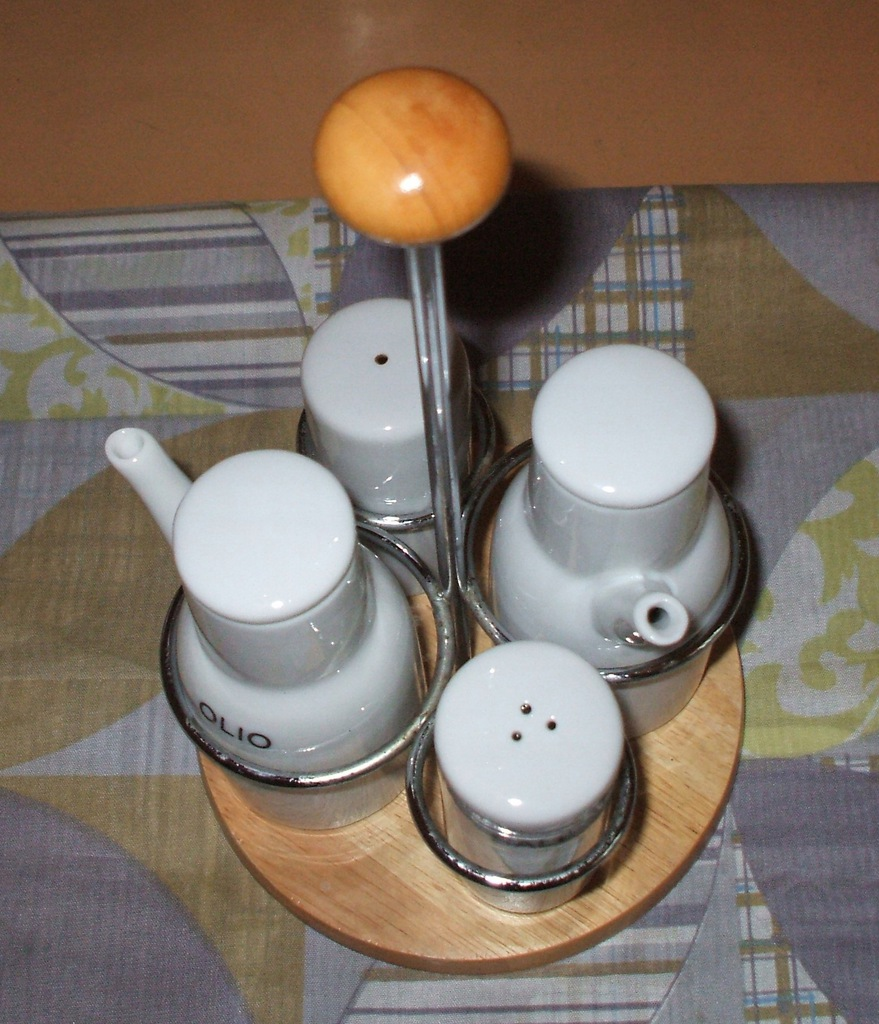 Stojak na pojemniki przypraw porcelana bez sygn.