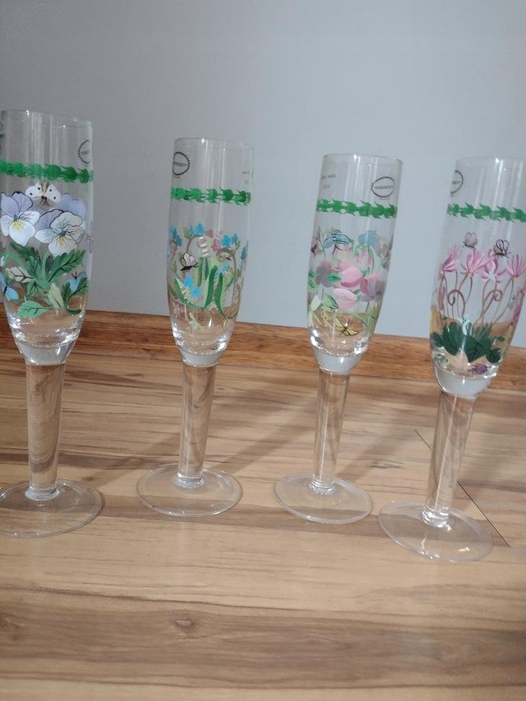 Kieliszki do wina - szampana- 4 szt