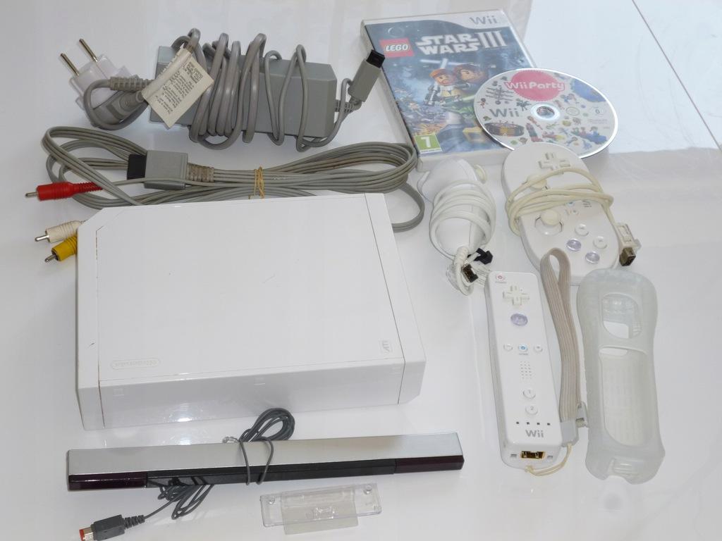 Nintendo Wii biała konsola RVL-101,pady , gry