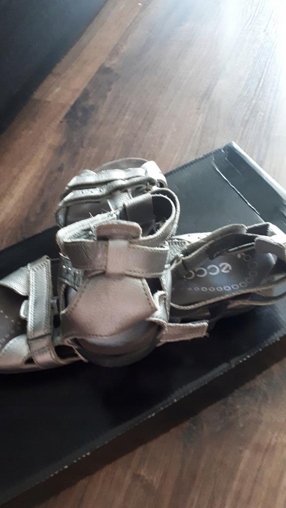 ecco sandały 38