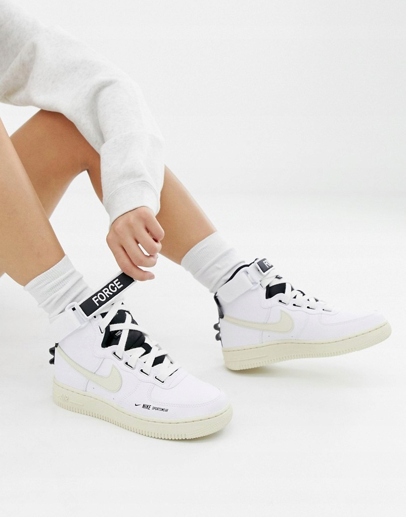 Buty damskie Nike Air Force 1 UTILITY AJ7311 100