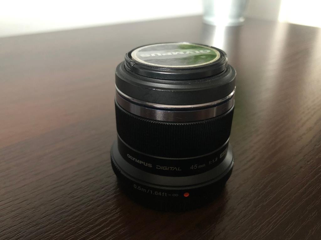 Olympus 45mm 1.8 plus zestaw filtrów
