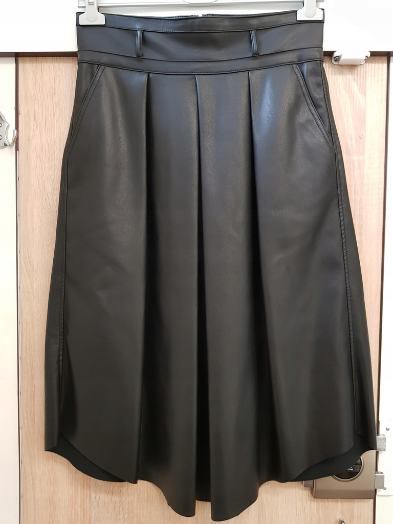 Spódnica czarna ekoskóra, elegancka, r. 38, PROMOD