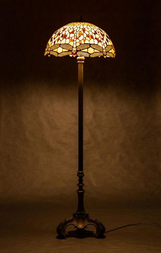 lampy tiffany podłogowe