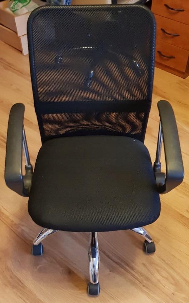 Krzesło biurowe Jysk Dalmose czarne 8887105717 oficjalne