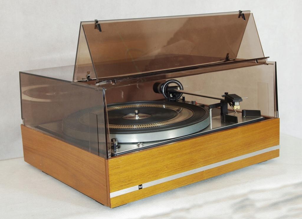 Gramofon Dual 1219 pokrywa zmieniarka Dual CS 1219