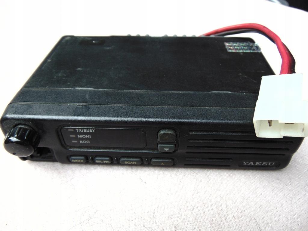 Radiotelefon YAESU VX-2000U