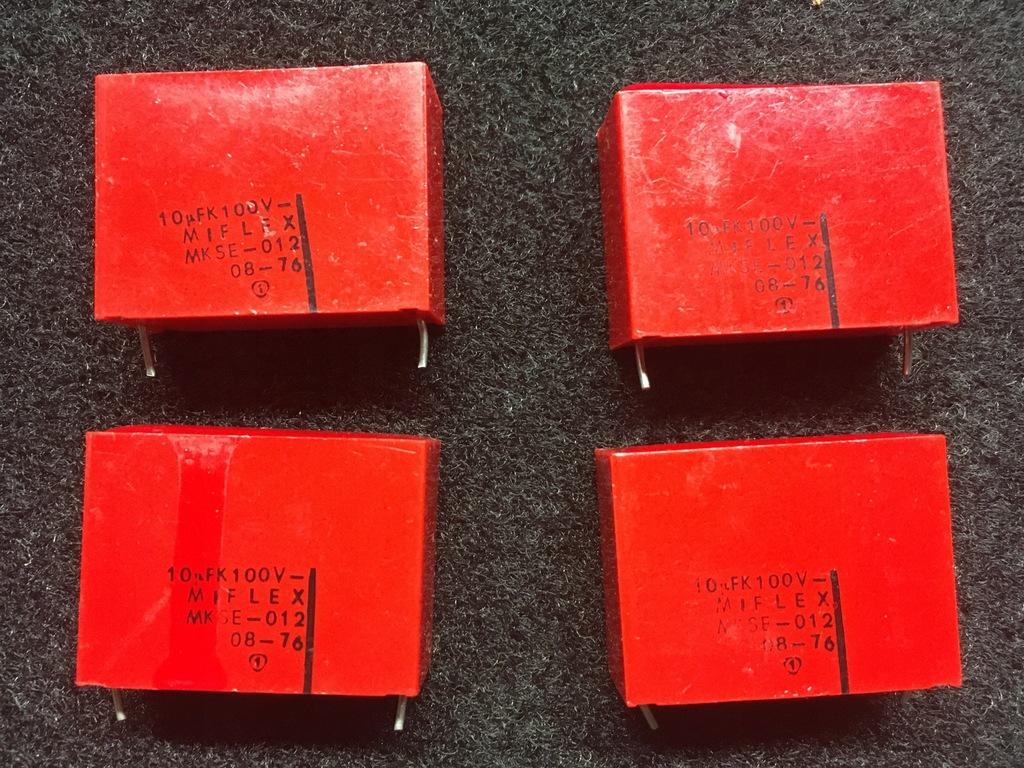 10 µF 100V Unitra Miflex. Cena za 4 sztuki.