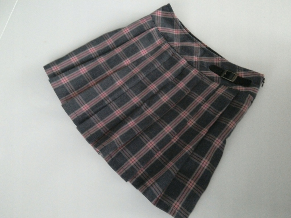 C&A śliczna spódniczka r.140