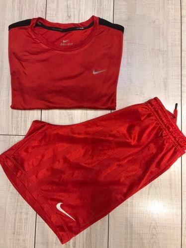 Wyprzadaż szafy - T-shirt&spodenki Nike r. S