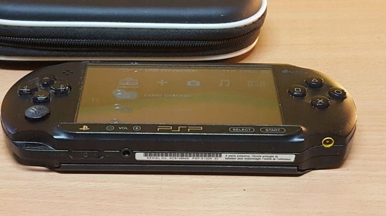 KONSOLA PSP E 1004 ŁAD ETUI