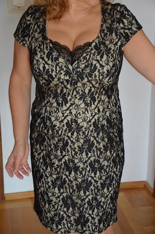 Piękna sukienka CAŁA Z KORONKI rozm. 42