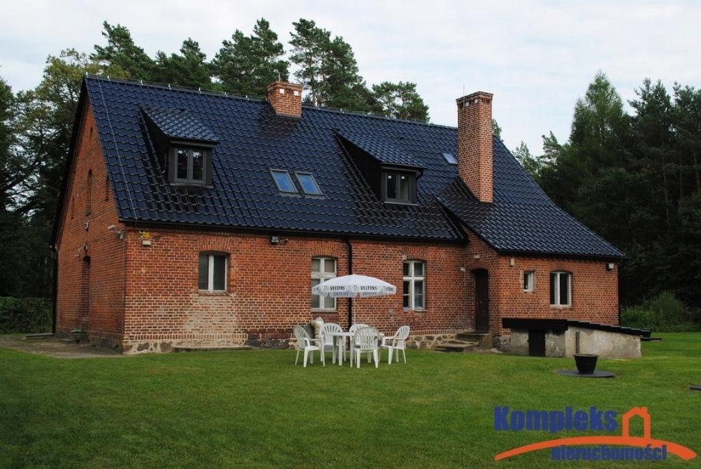 Dom, Zwierz, Człopa (gm.), Wałecki (pow.), 290 m²