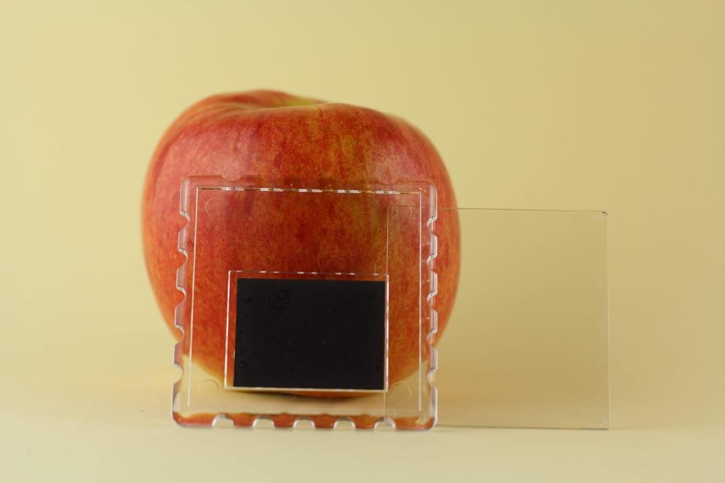Ramka akrylowa z magnesem - znaczek 65mmx65mm