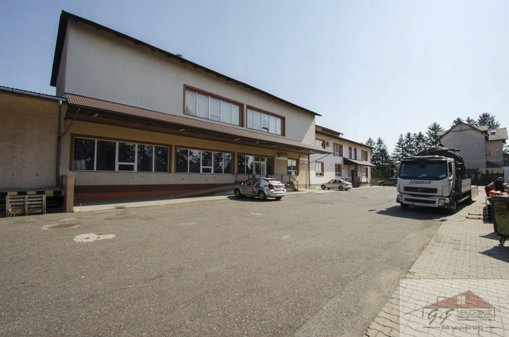 Magazyny i hale, Radymno, 2500 m²