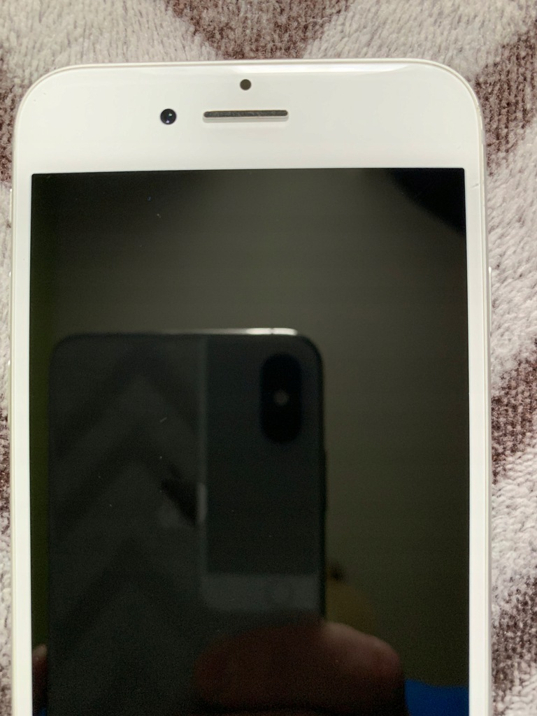 Apple iPhone 8 srebrny 64 GB UŻYWANY STAN IDEALNY-
