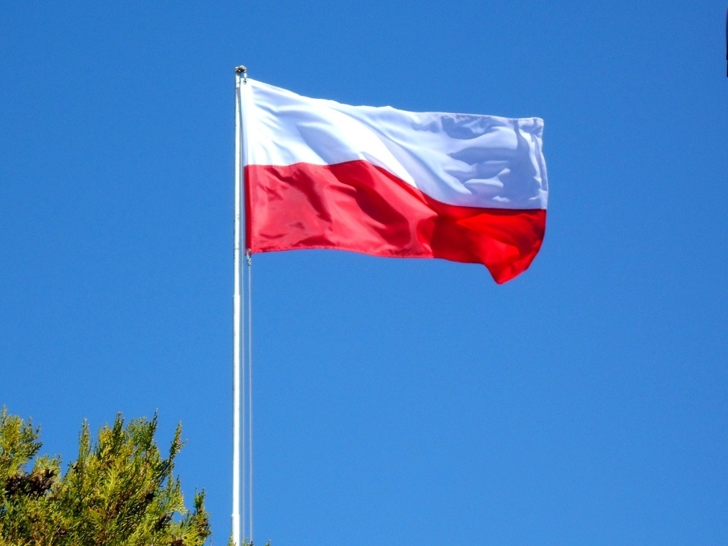 Flaga Polski Polska Narodowa 70 X 112 Cm Na Maszt