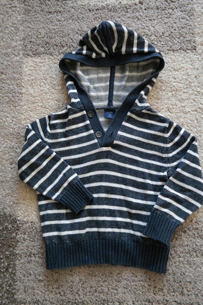 #41 Sweter chłopięcy GAP r.98