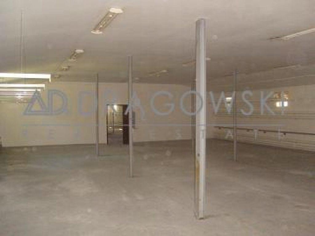 Magazyny i hale, Brwinów, Brwinów (gm.), 1800 m²