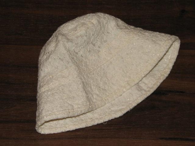 Zjawiskowy kapelusik w kwiatuszki 80 92