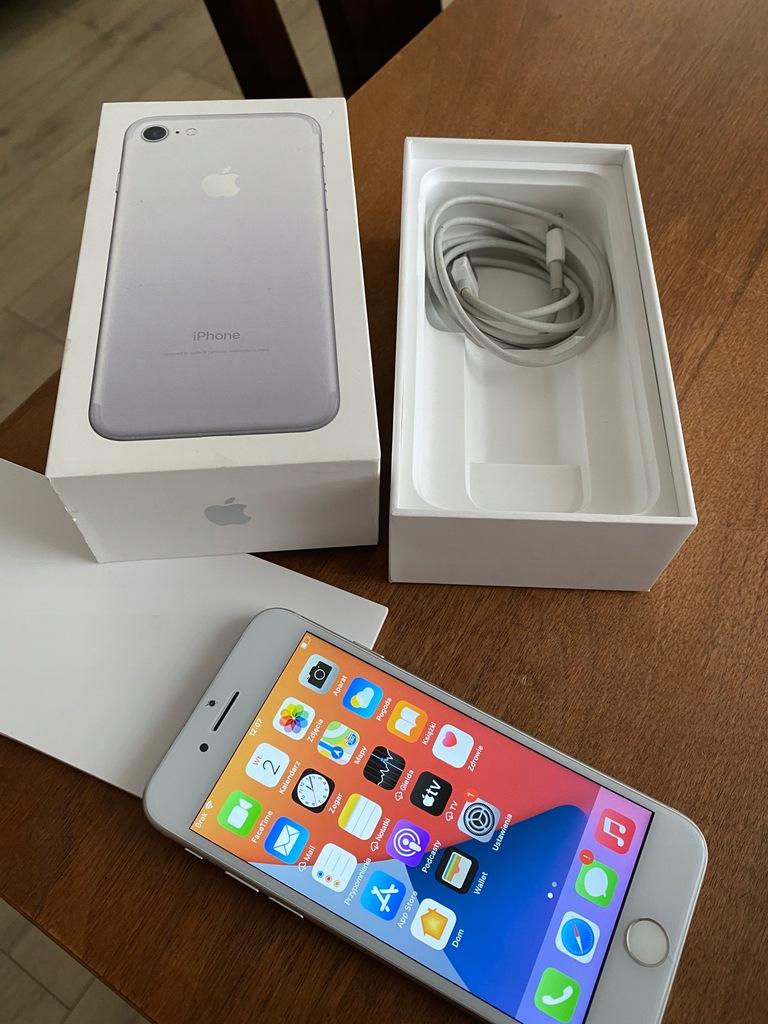 Smartfon Apple iPhone 7 32 GB srebrny