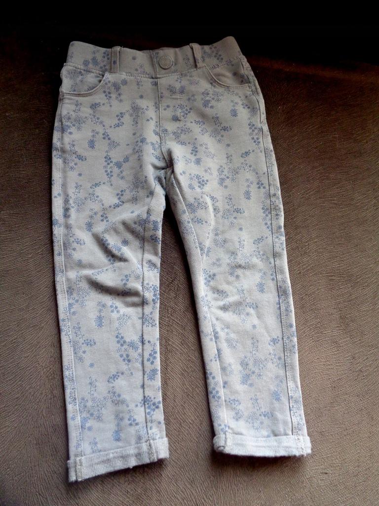 Szare spodnie materiałowe w kwiaty 92 COOL CLUB