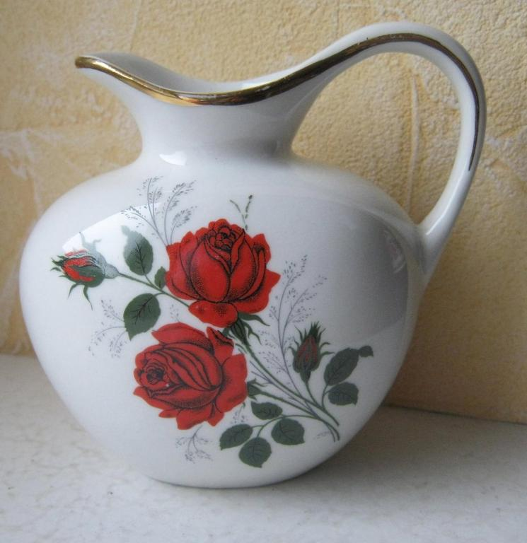 Porcelanowy dzbanuszek/mlecznik-róże