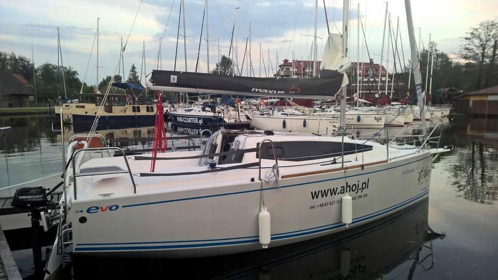Jacht żaglowy Maxus 24 EVO