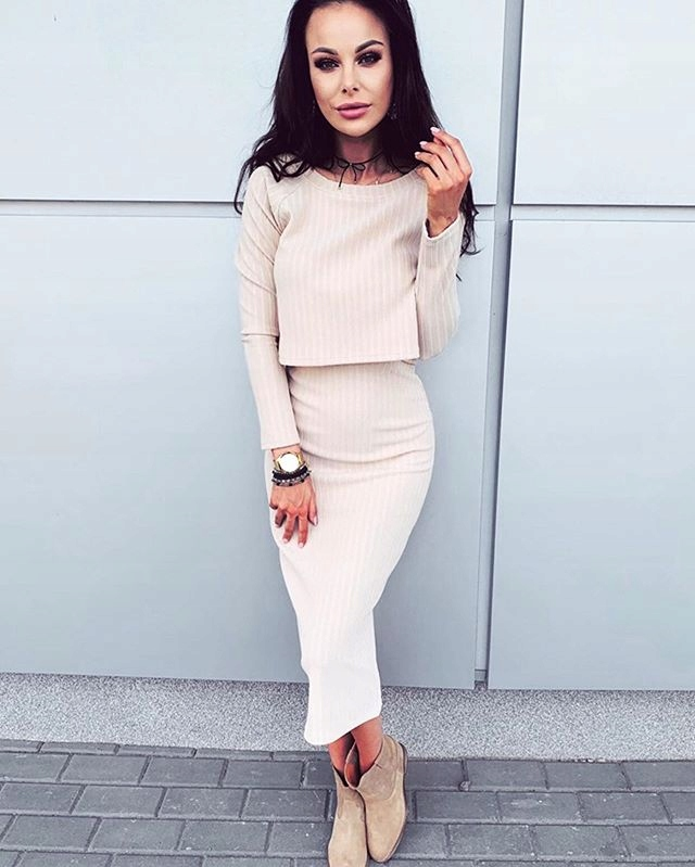 Komplet dwuczęściowy spódnica bluzka biały