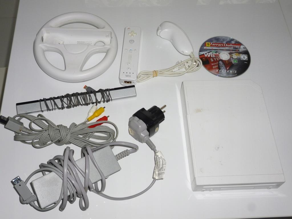 Nintendo Wii biała konsola pady gra akcesoria kabl
