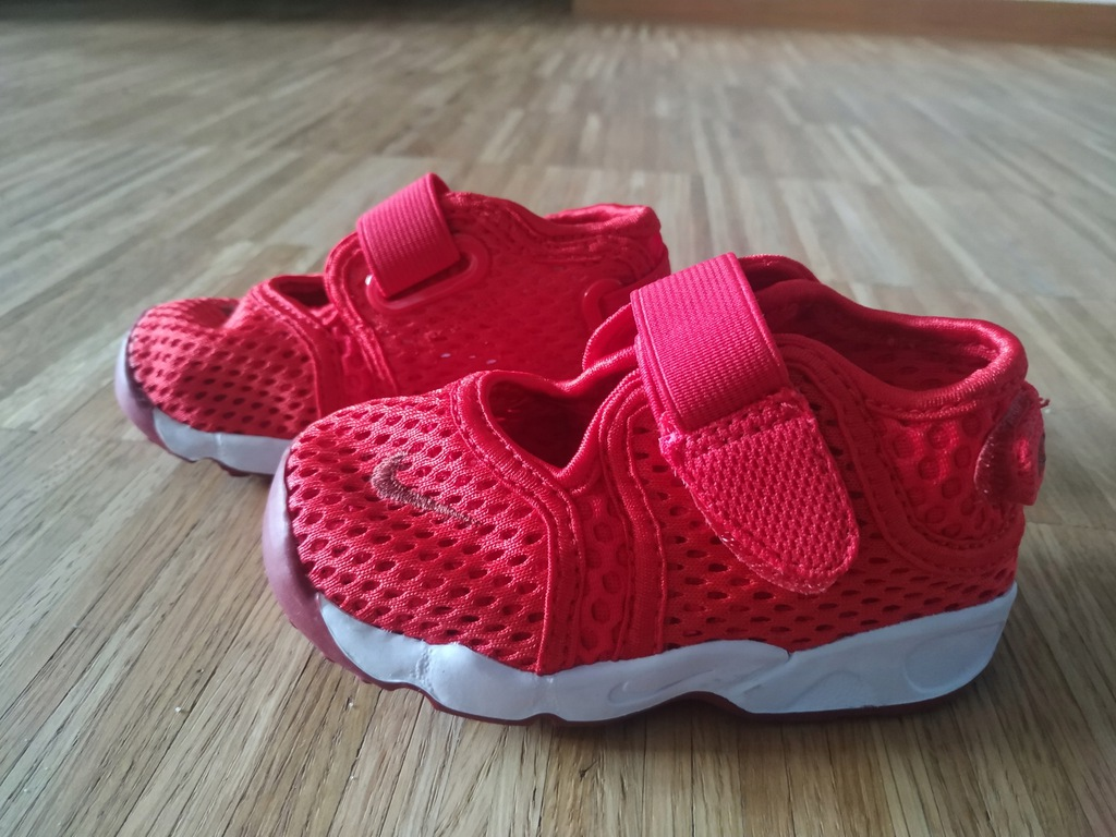 Nike czerwone sandały adidasy 22
