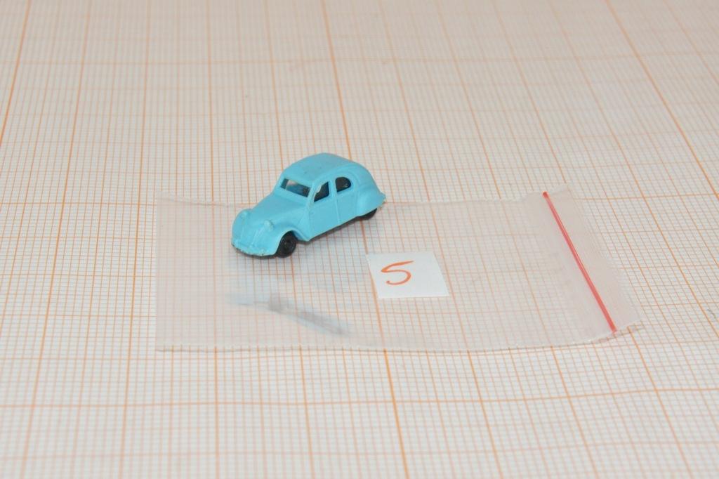 Auto na makietę w skali N 1/160 (5)