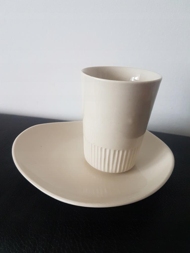 Kubek porcelit Pruszków ecru kremowy prl