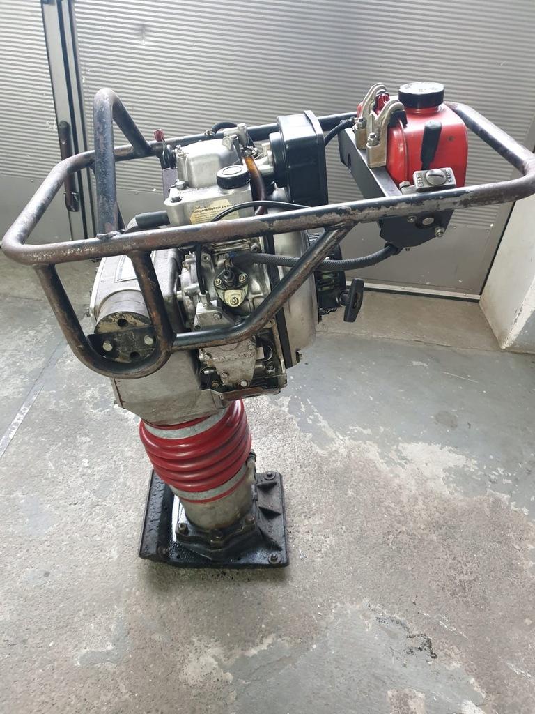 Zagęszczarka skoczek RAMMAX diesel