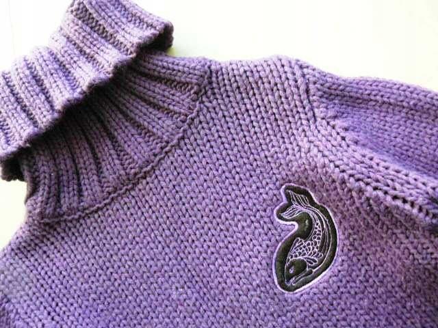 RESERVED golf sweter fiolet ryba karp 40 wełna akr