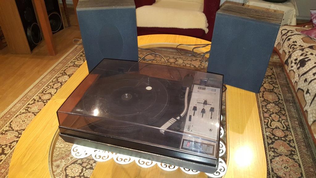 gramofon Artur GWS 111 z głośnikami +28 płyt 7''