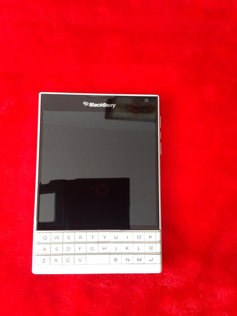 BlackBerry Passport LTE 3/32GB White