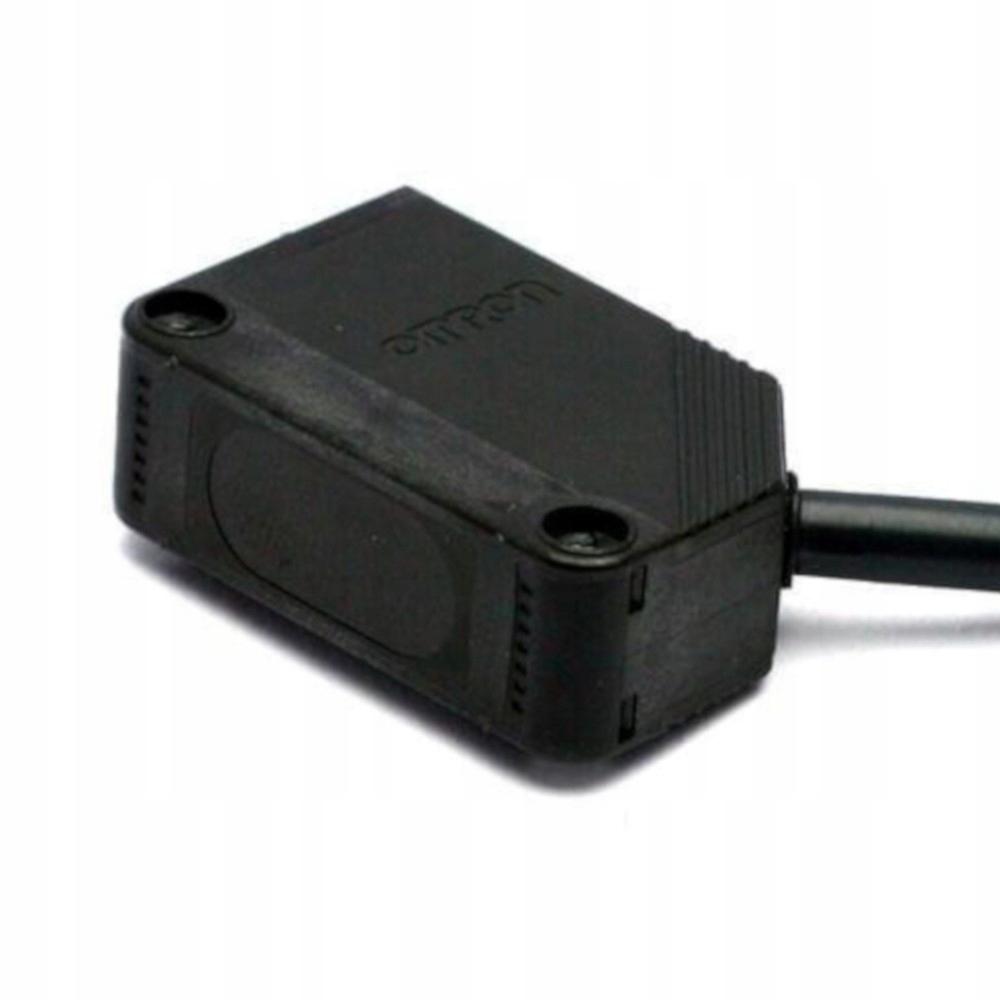 Czujnik fotoelektryczny PNP E3Z-D82